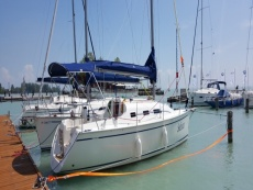 new Dolphin 28 sailboat