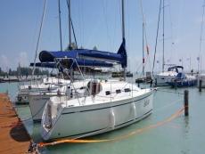 new Dolphin 28 sailboat